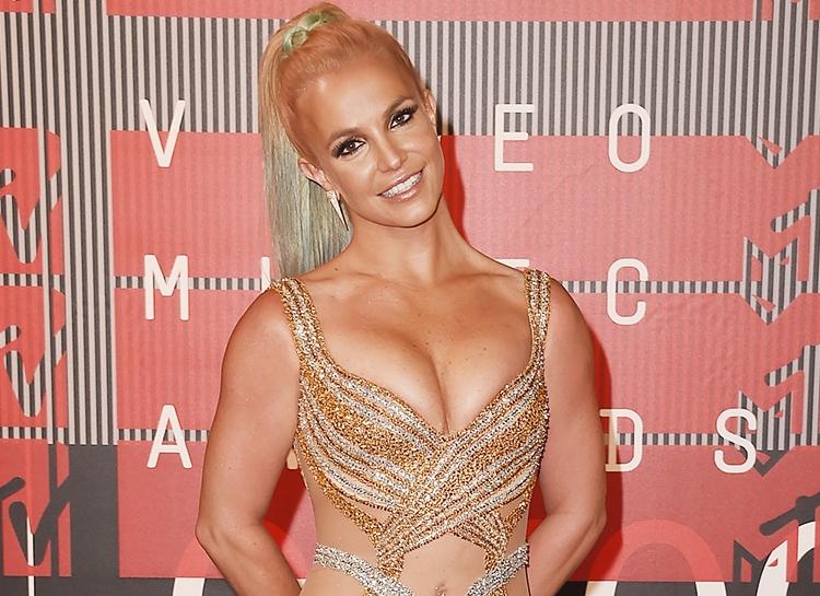 Бывший охранник Бритни Спирс заявил, что певицу накачивали наркотиками и противозачаточными таблетками - фото №2