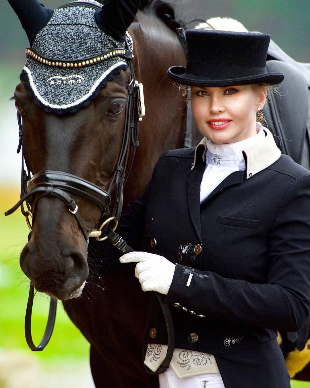 Камалия конный спорт фото