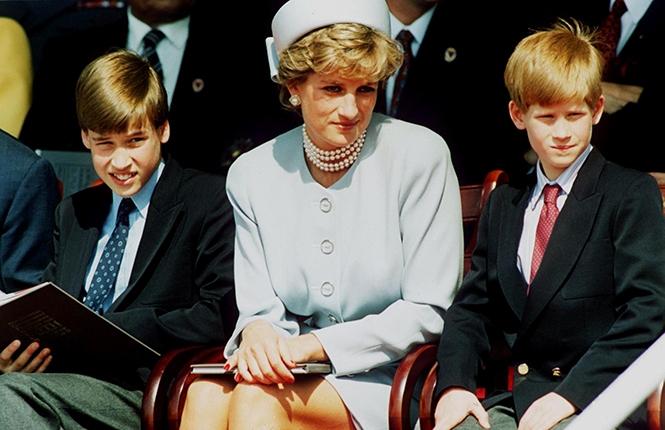 Принцесса Диана с принцем Гарри и принцем Уильямом