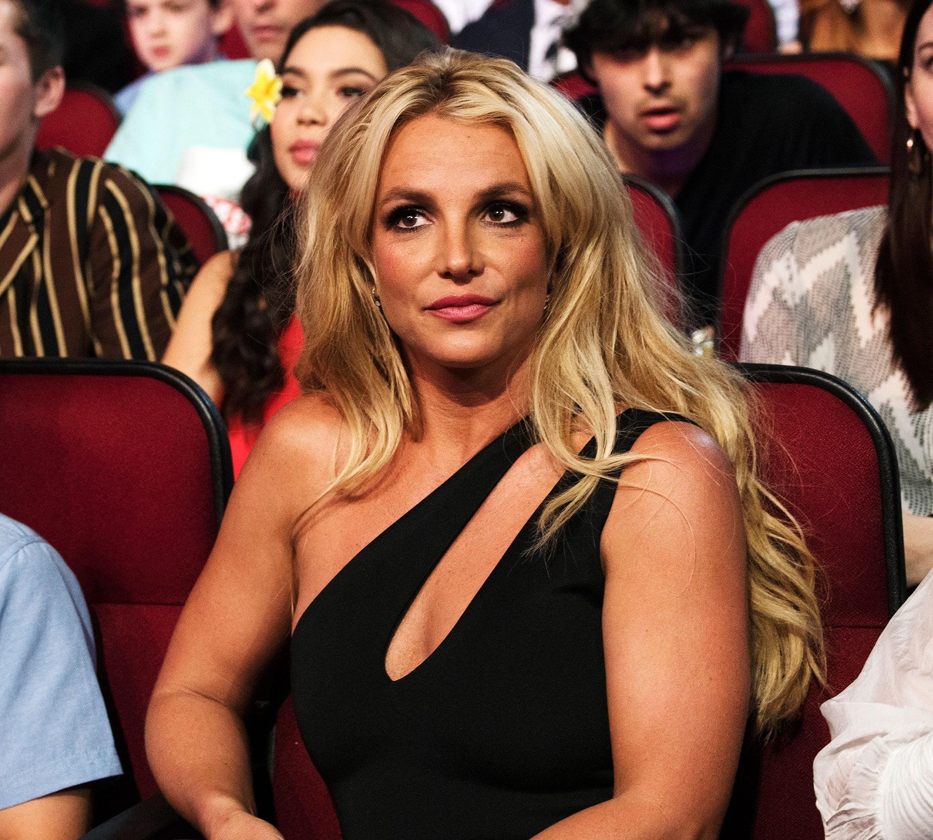 Адвокат Бритни Спирс уволился из-за шокирующих откровений певицы в суде - фото №1