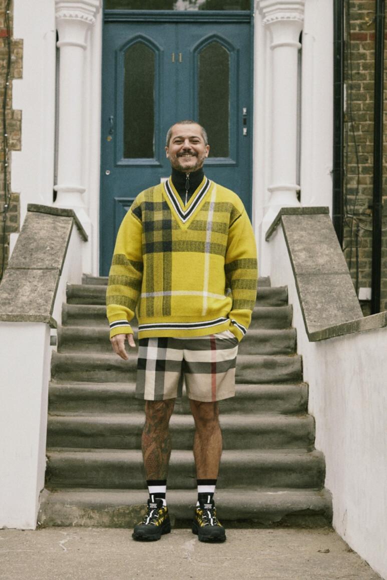 Как работники бренда стали моделями? Смотрите обзор новой круизной коллекции Burberry (ФОТО) - фото №2