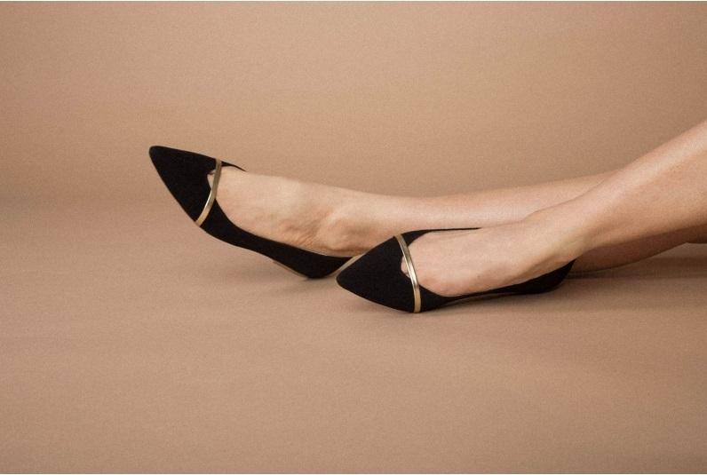 Гид по летней обуви: где найти самые стильные модели этого сезона? - фото №4