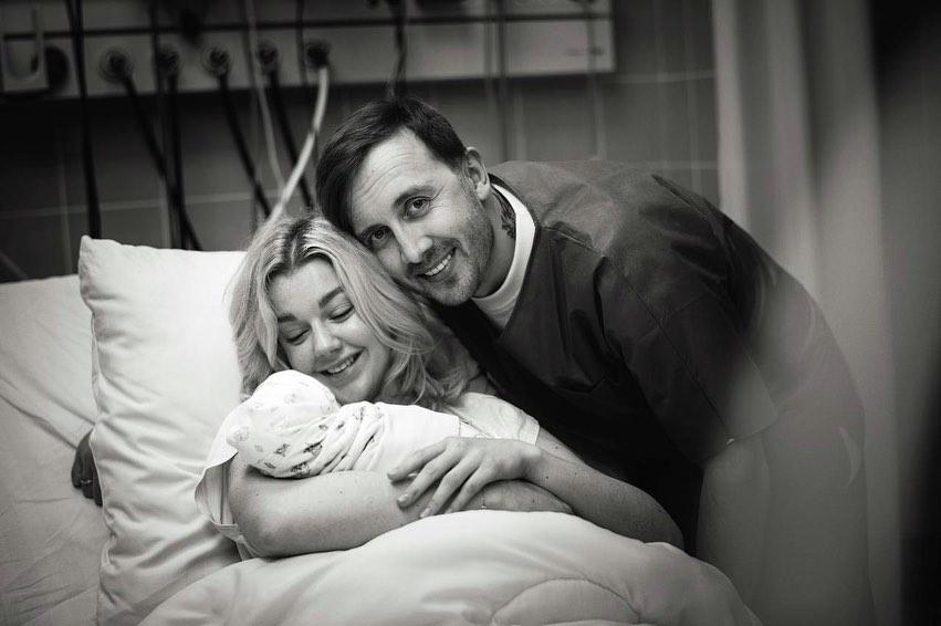 юлианна караулова впервые стала мамой