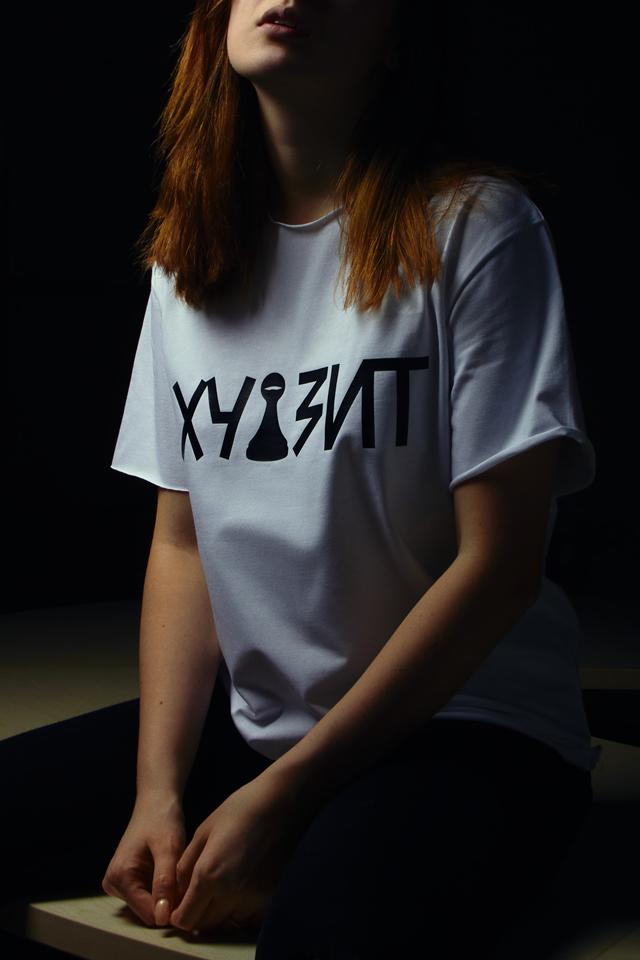 """Бренд """"ХУІЗІТ"""" анонсував вихід лімітованої колекції футболок у підтримку прав жінок - фото №2"""