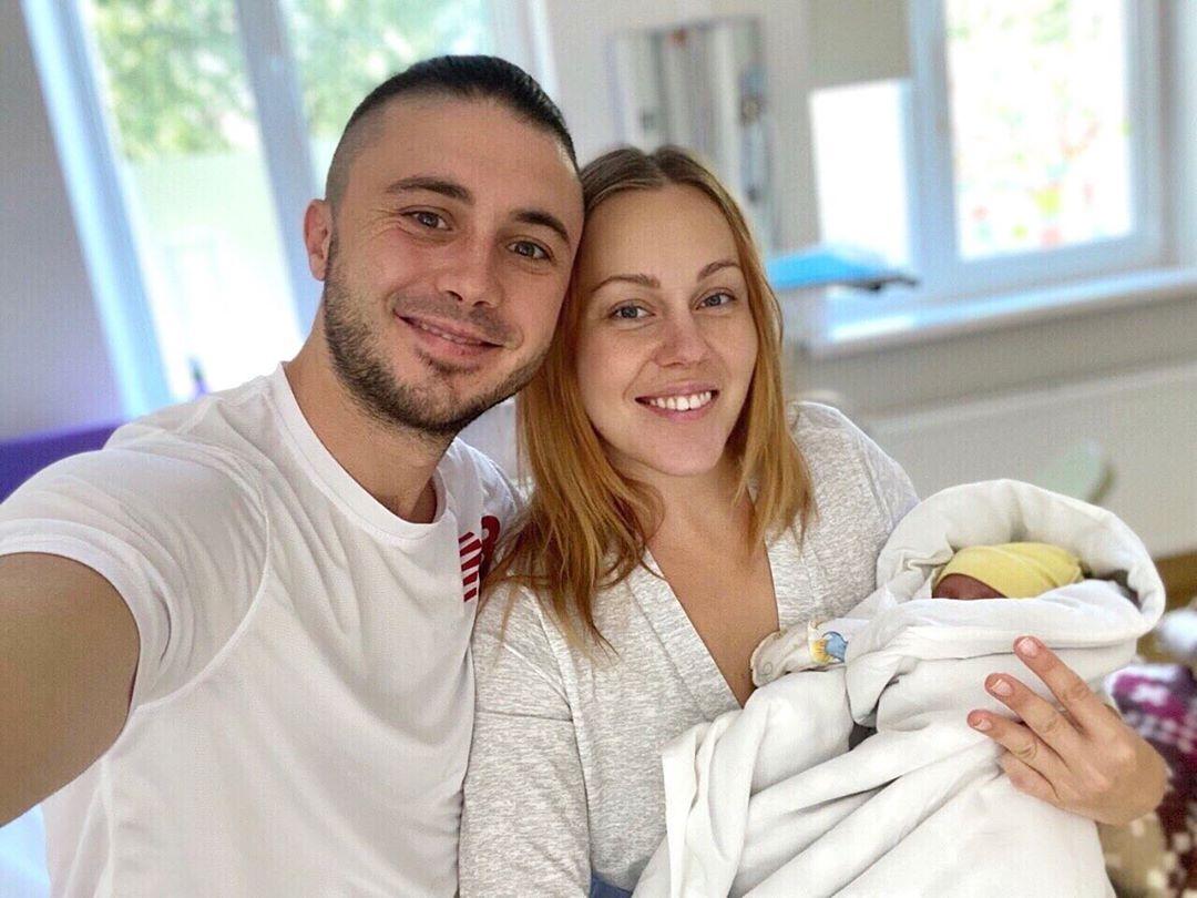 Alyosha, Тарас Тополя с новорожденной дочкой
