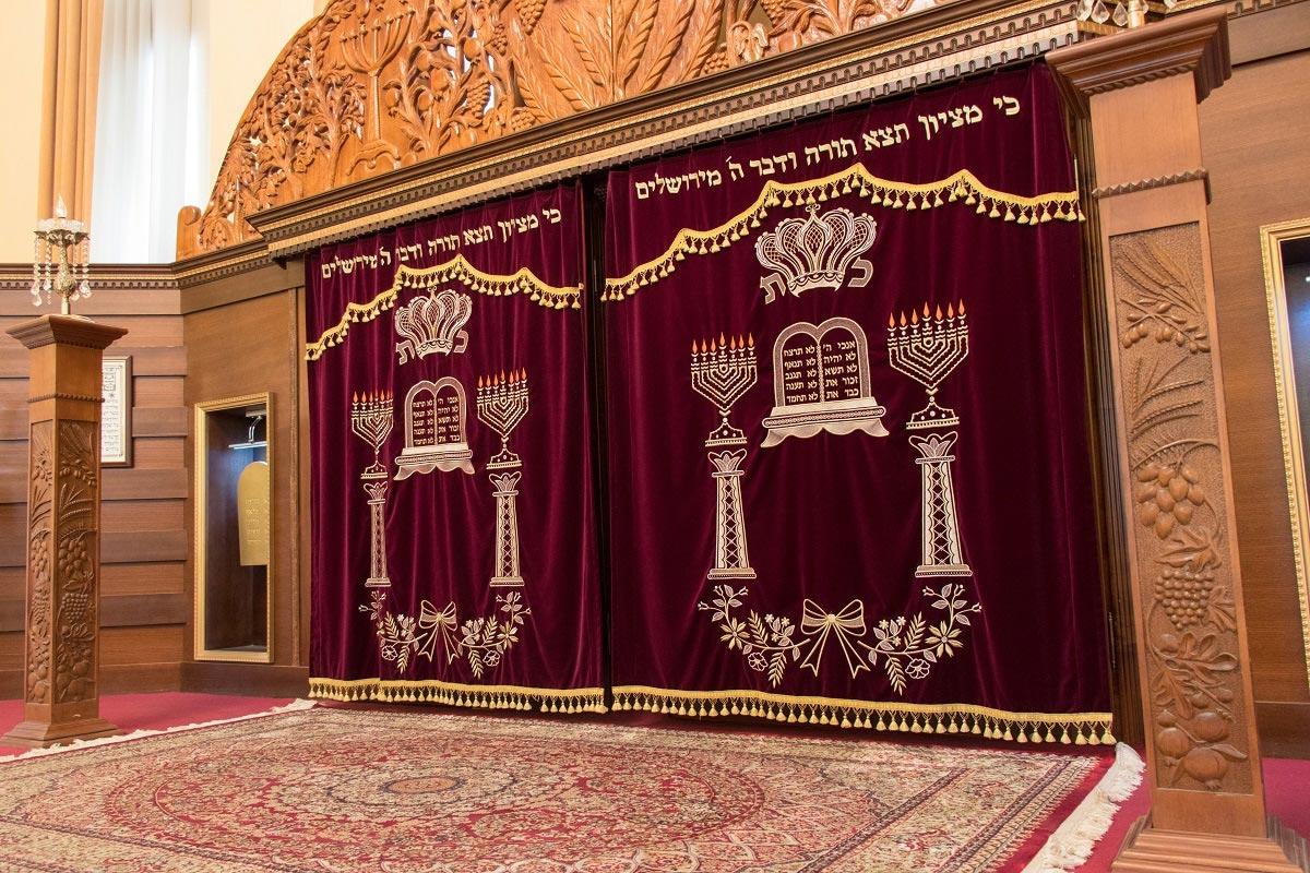 Уникальное еврейское наследие Азербайджана: синагоги, музеи и живописные селения в горах (ФОТО) - фото №3