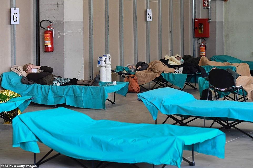 Хроника коронавируса: 134 тысячи зараженных и 5 тысяч погибших. Что сейчас происходит в Европе? (ФОТО) - фото №2