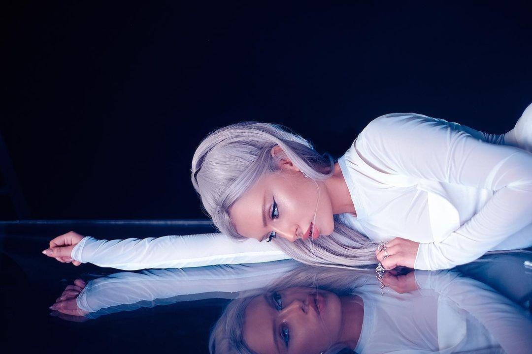 """Под прицелом"": певица MARKELOVA презентует новый сингл - фото №2"