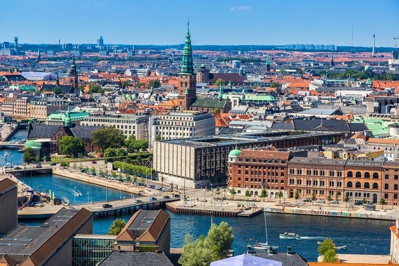 Любовь без границ: Дания разрешила въезжать в страну влюбленным - фото №1
