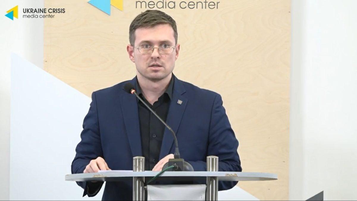 При несоблюдении карантинных мероприятий коронавирусом могут заболеть от 7 до 22 миллионов украинцев, – ЦОЗ (ВИДЕО) - фото №1