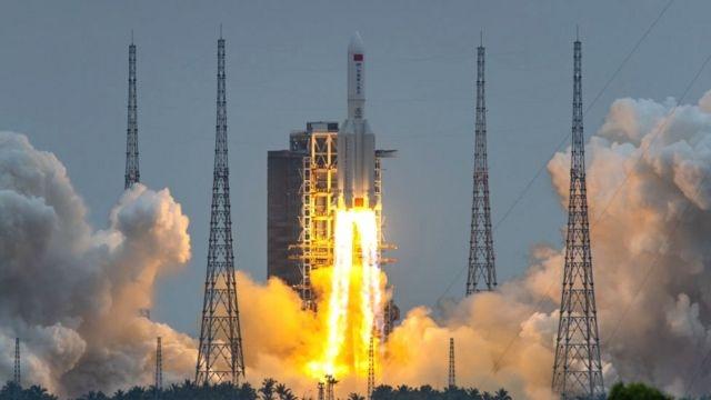 """Обломки китайской ракеты """"Чанчжэн 5-Б"""" упали в Индийский океан - фото №3"""