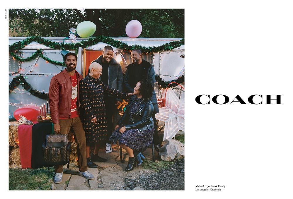 Дженнифер Лопес со своей семьей в рождественской кампании Coach (ФОТО+ВИДЕО) - фото №2