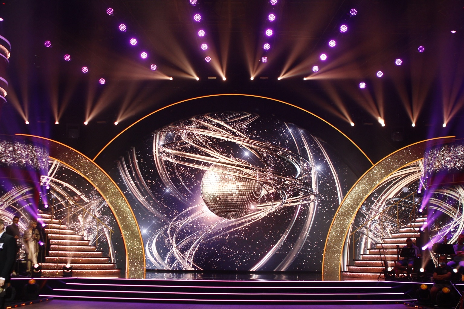 """Танці з зірками"""": прямые эфиры будут проходить без зрителей в связи с карантином выходного дня - фото №1"""