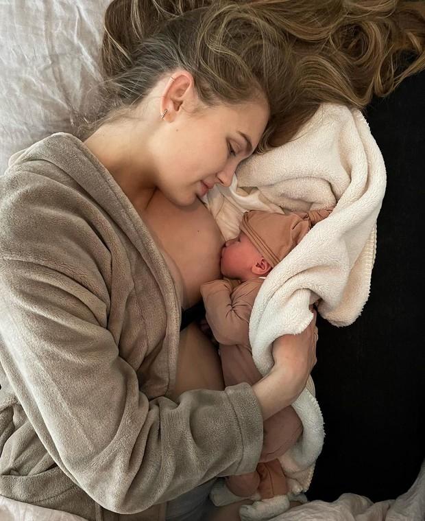 """Роми Стрейд, """"ангел"""" Victoria's Secret, впервые стала мамой (ФОТО) - фото №1"""