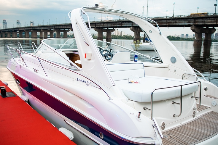 BAVARIA Sparkling Yacht: Sparkling Boats презентовала новинку своего флота — премиальную яхту - фото №2