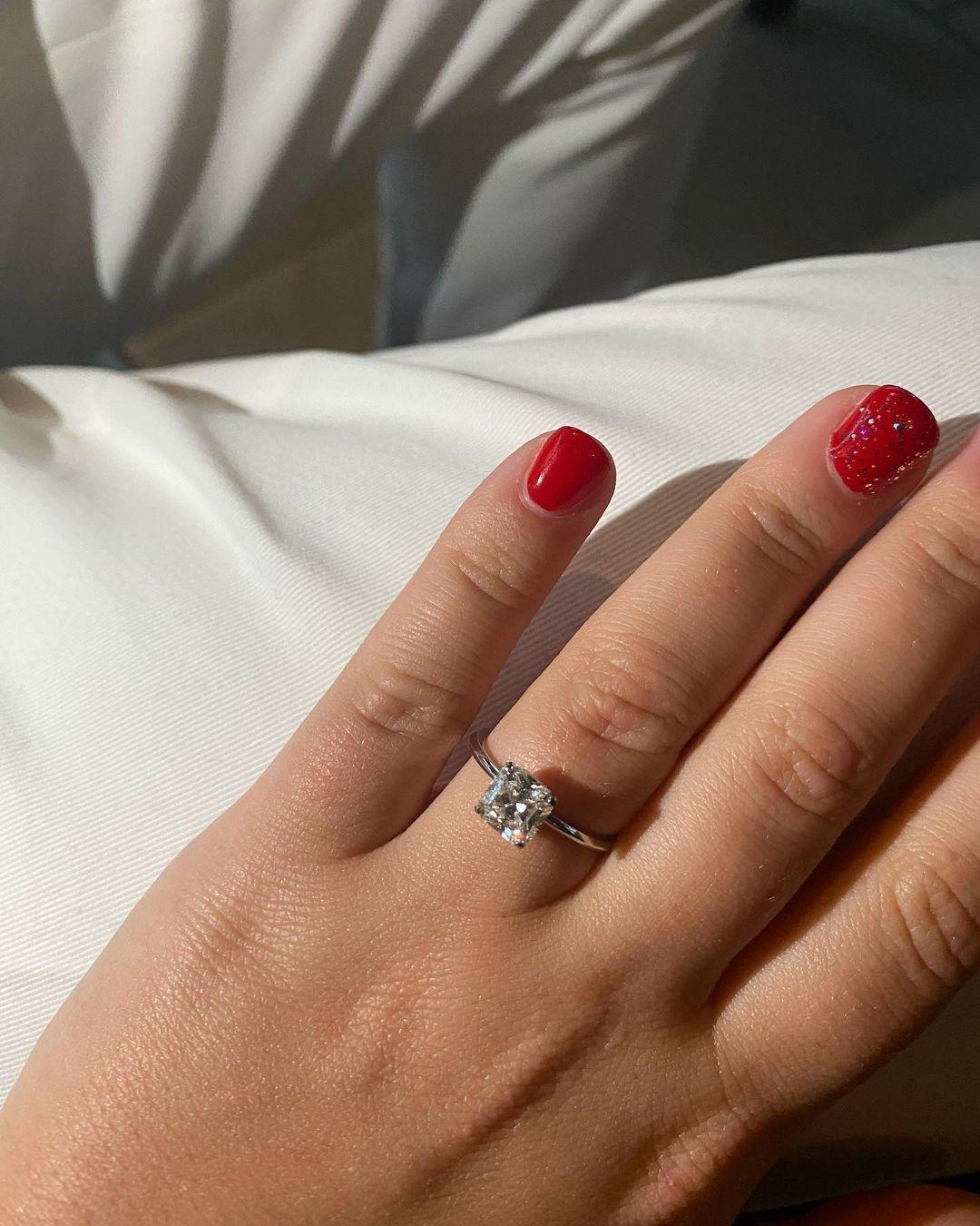 Официально: дочь бизнесмена Романа Абрамовича Софья выходит замуж - фото №2