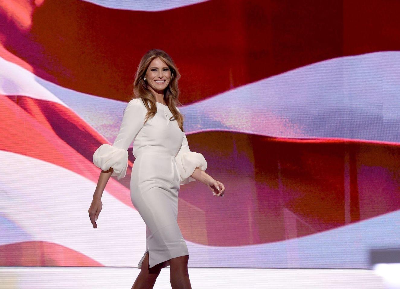 Мелании Трамп — 50! Вспоминаем лучшие образы первой леди США (ФОТО) - фото №4
