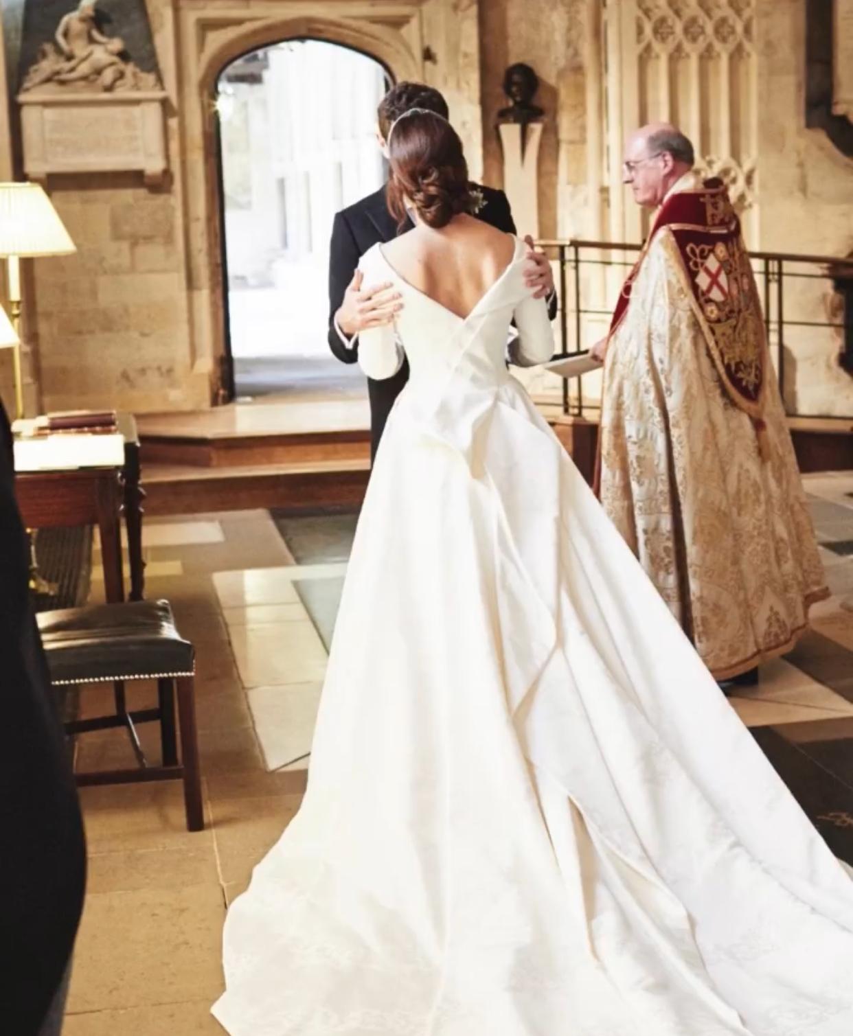 """""""Счастливые воспоминания"""": принцесса Евгения поделилась новыми снимками со своей свадьбы (ФОТО) - фото №2"""