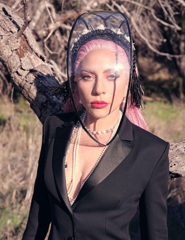 Роскошная Леди Гага снялась в нежной фотосессии для InStyle и призналась, что мечтает о семье (ФОТО) - фото №6
