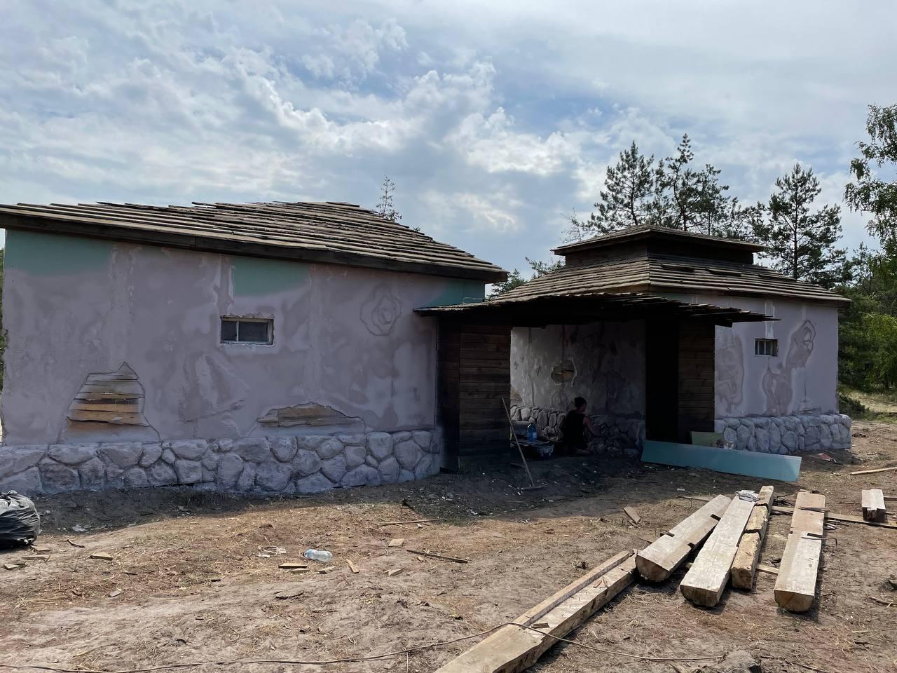 Возле Киева построили еврейское поселение для нового фильма Star Media - фото №1
