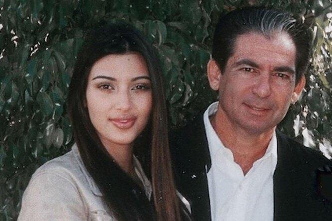 До чего техника дошла: супруг Ким Кардашьян создал говорящую голограмму ее покойного отца. - фото №1