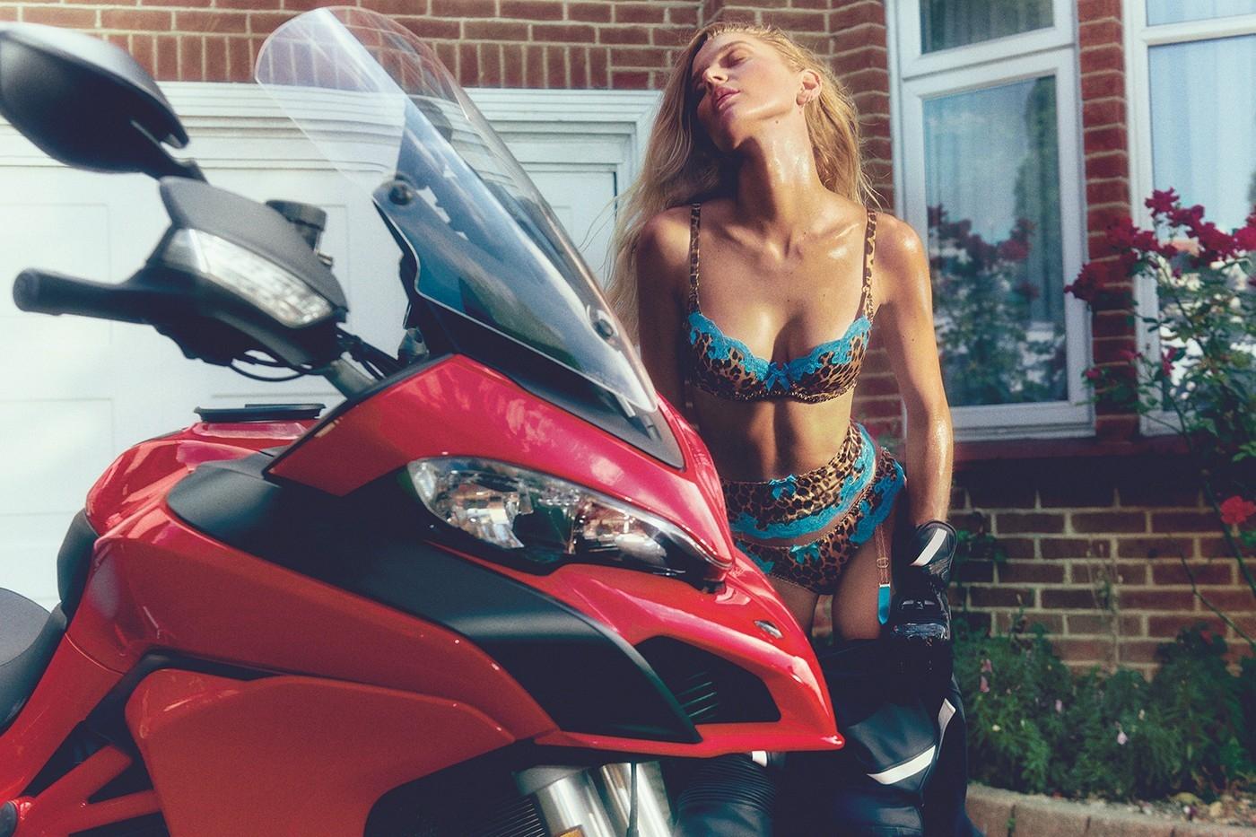 Шеф-повар, геймерша и мотоциклистка: в рекламе Agent Provocateur снялись выдающиеся женщины современности (ФОТО) - фото №1