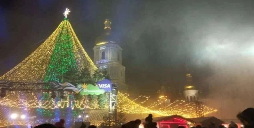 В Киеве состоялось торжественное открытие главной елки Украины (ФОТО) - фото №1