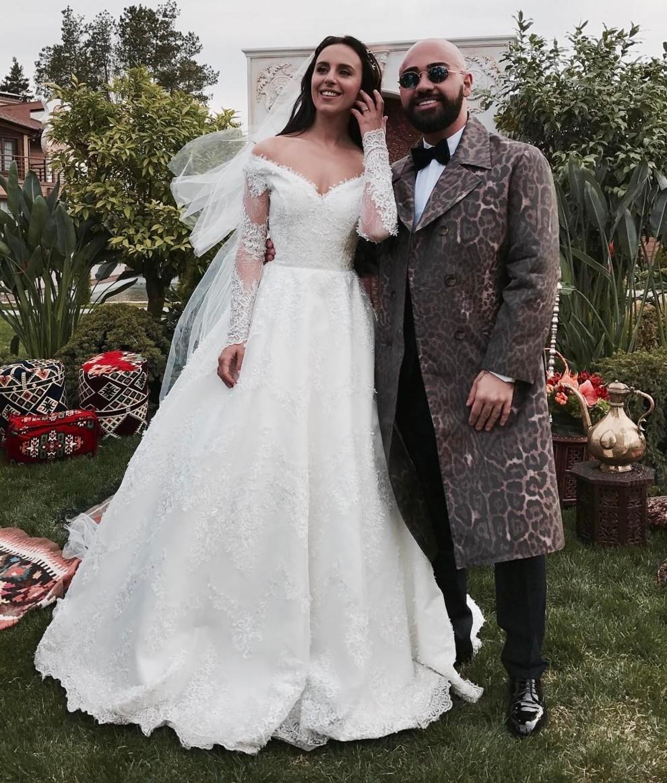 Самые яркие свадебные платья украинских звезд (ФОТО) - фото №16