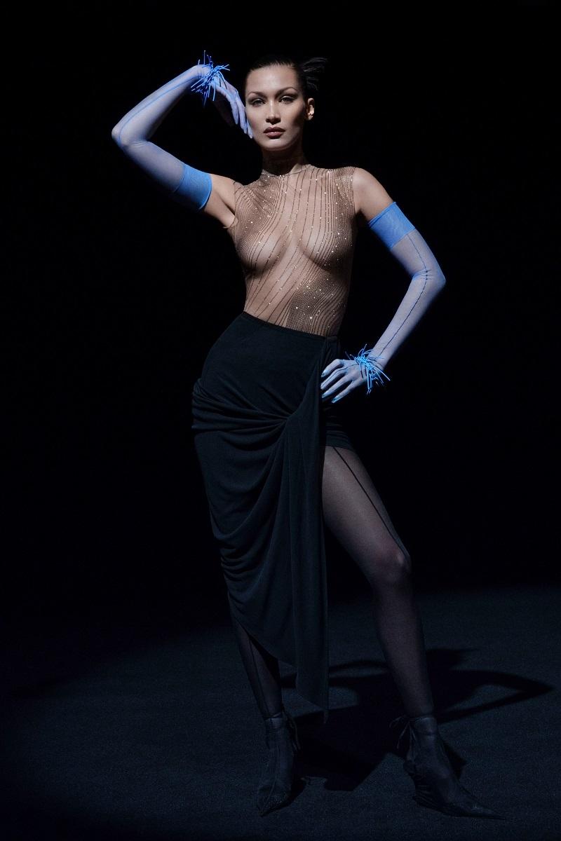 """""""Голые"""" платья, акробатические трюки и звездные модели в новом показе Mugler (ФОТО+ВИДЕО) - фото №4"""