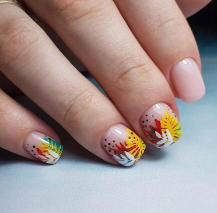 Маникюр с рисунками осенних листьев: лучшие варианты дизайна ногтей - фото №10