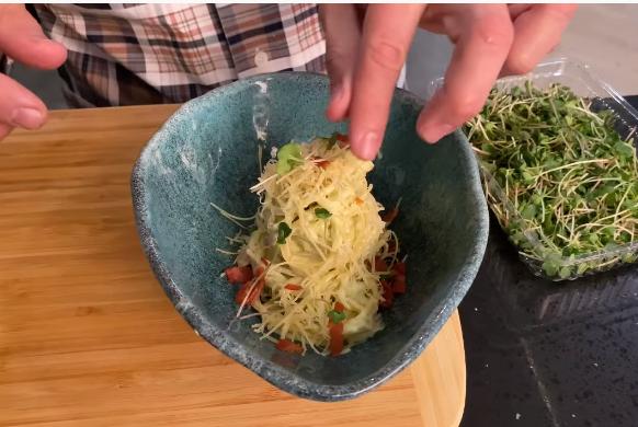 Паста карбонара с авокадо от Эктора Хименес-Браво - фото №2