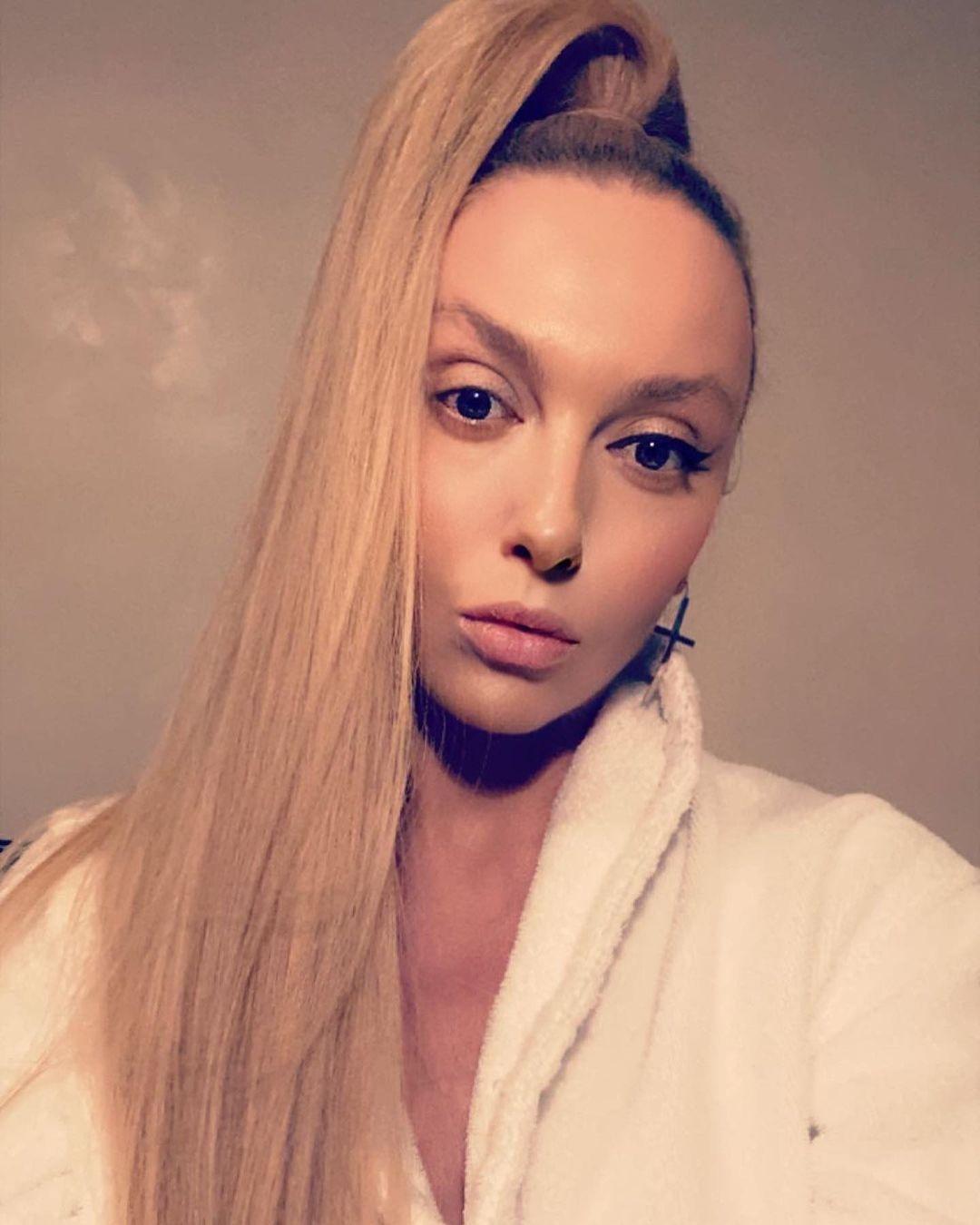 Вслед за Ани Лорак: Оля Полякова обвинила известного продюсера в домогательствах - фото №1