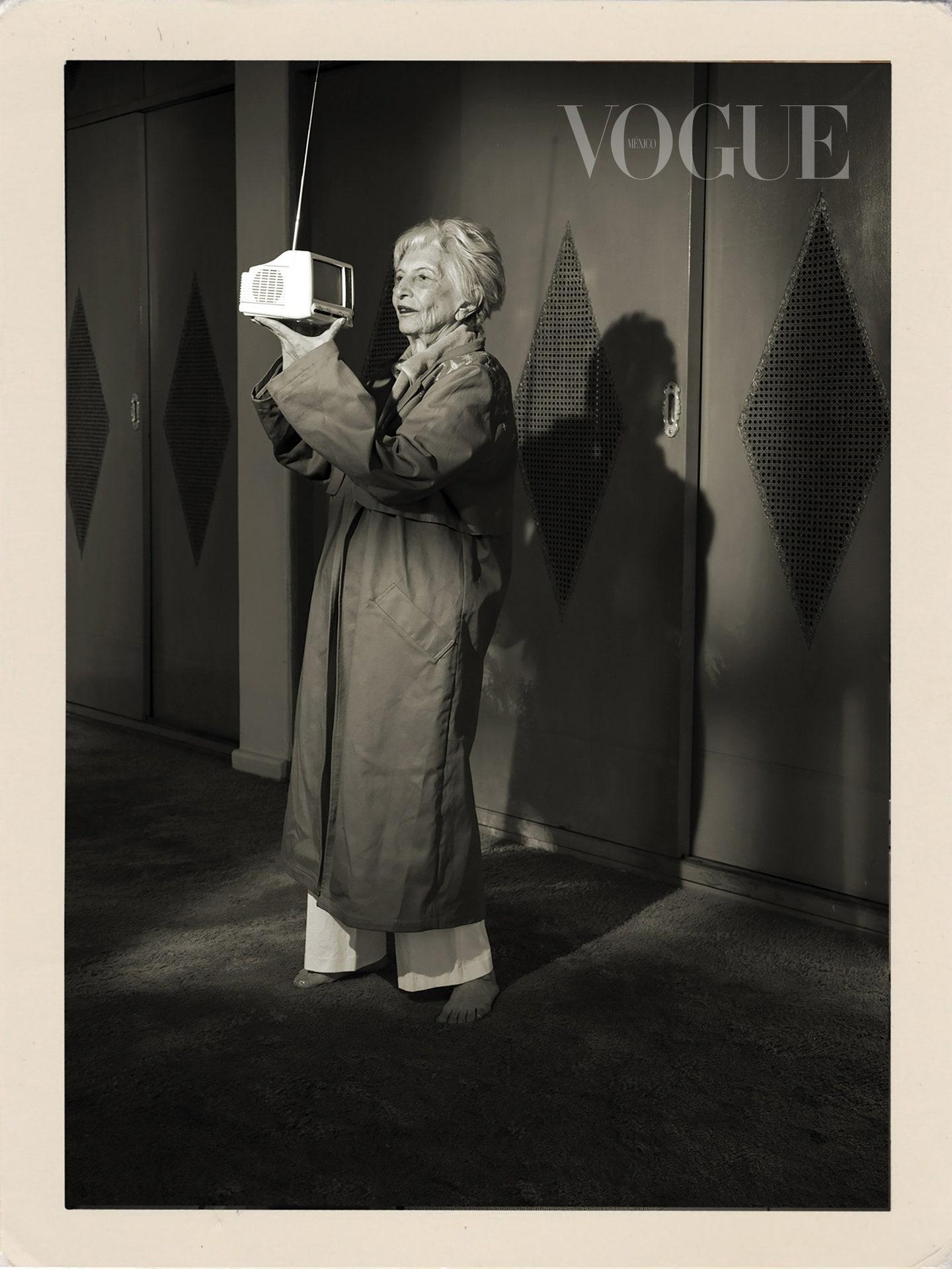 Обложка дня: мексиканский Vogue поместил на обложку бабушек своих сотрудников (ФОТО) - фото №3