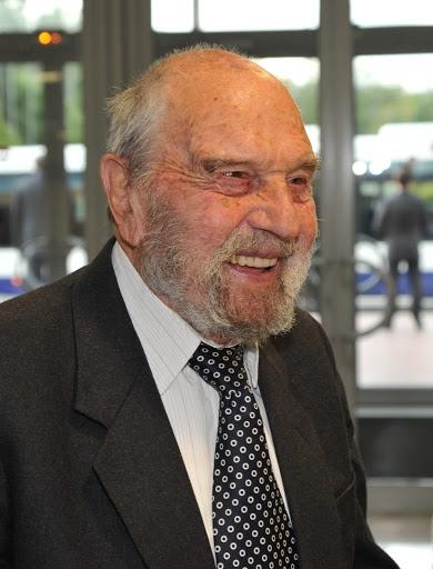 Умер Джордж Блейк, британский разведчик, перешедший на сторону СССР - фото №2