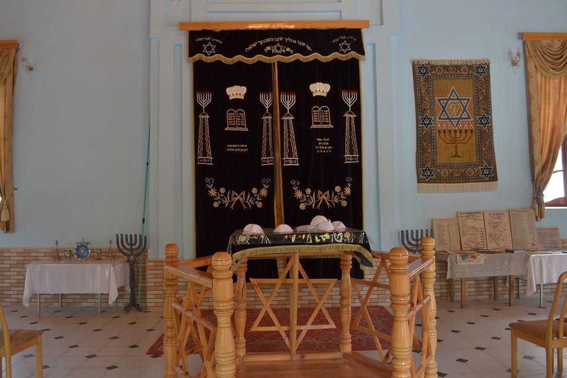 Уникальное еврейское наследие Азербайджана: синагоги, музеи и живописные селения в горах (ФОТО) - фото №4