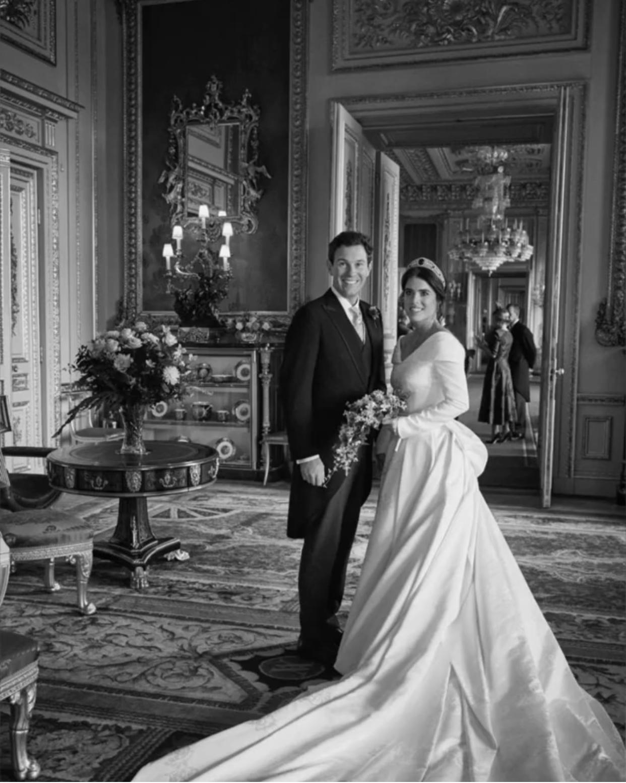 """""""Счастливые воспоминания"""": принцесса Евгения поделилась новыми снимками со своей свадьбы (ФОТО) - фото №1"""