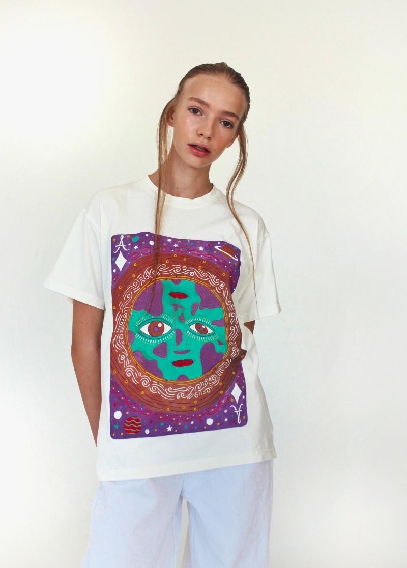 Спортивные костюмы в стиле пэчворк и футболки с предсказаниями: TATMAN представили новую линию комфортной одежды - фото №7