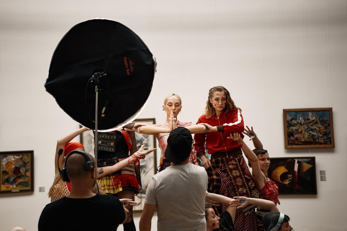 Премьера: ROXOLANA и Нина Матвиенко представили хип-хоп трек на стихи Ивана Франко - фото №1