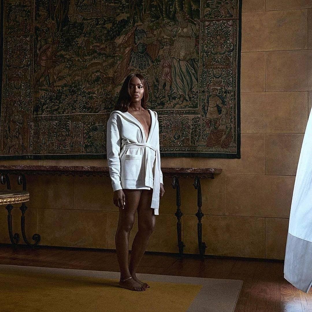 Наоми Кэмпбелл снялась топлес в новой рекламной кампании Calvin Klein (ФОТО) - фото №3