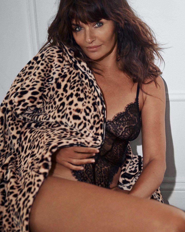 Очень горячо: 51-летняя Хелена Кристенсен снялась в рекламе нижнего белья (ФОТО) - фото №3