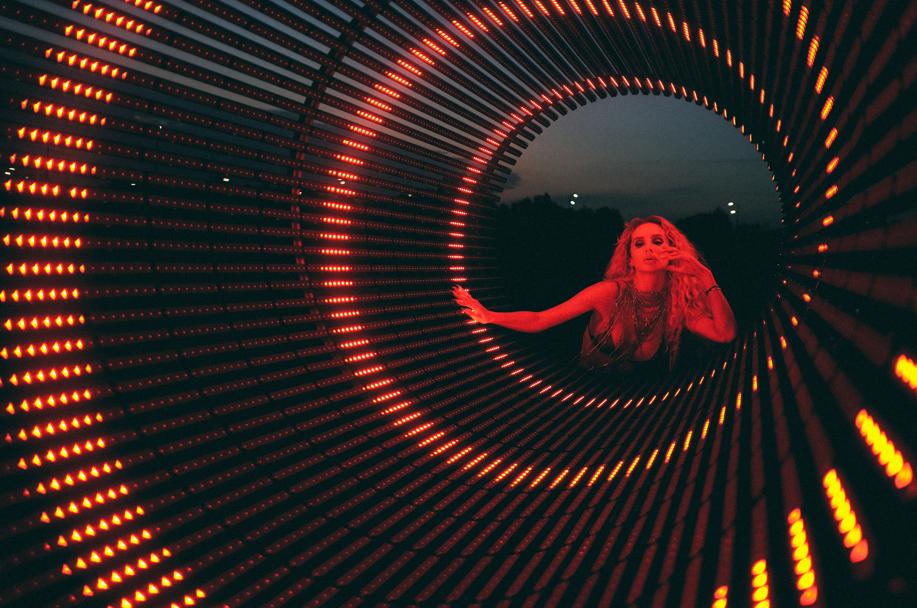 """""""Allo"""": LOBODA презентовала новый клип (ВИДЕО + эксклюзивный комментарий певицы) - фото №2"""
