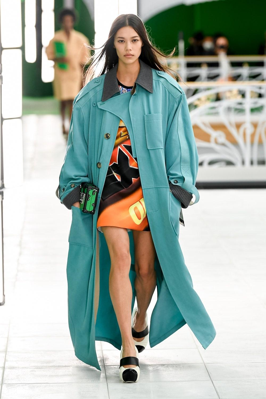Гид по модным трендам 2021 года в новой коллекции Louis Vuitton (ФОТО) - фото №6