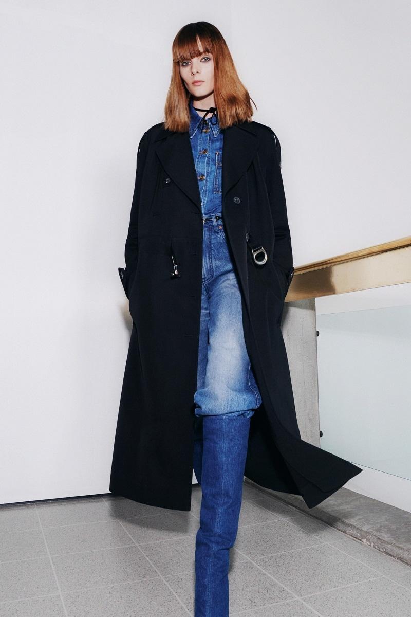 Цветочные платья и элегантные костюмы: обзор новой коллекции Victoria Beckham (ФОТО) - фото №6