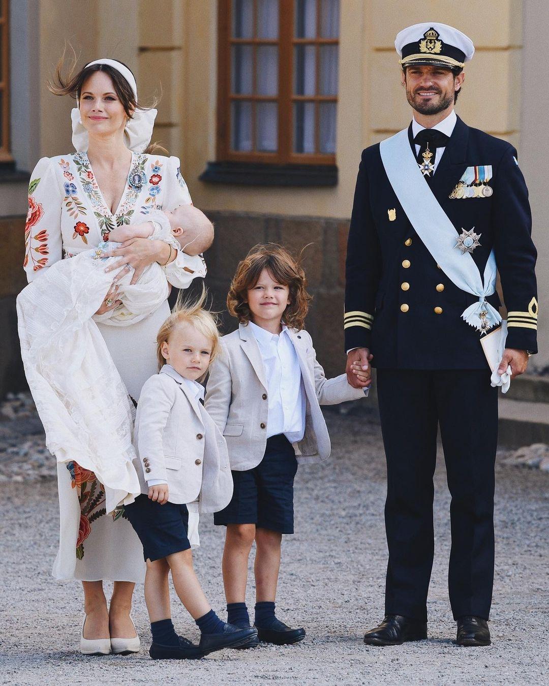 Шведский принц Карл-Филипп ипринцесса София крестили 4-месячного сына (ФОТО) - фото №1