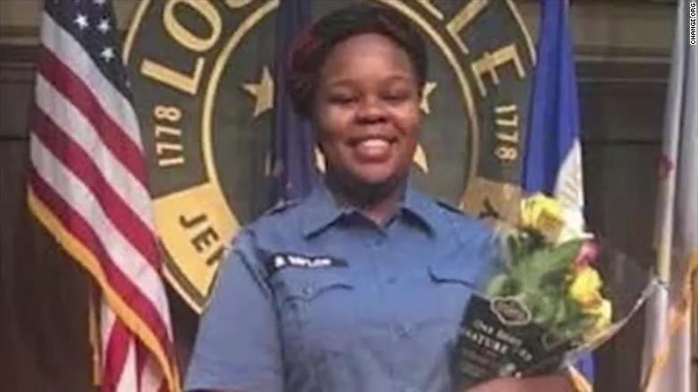 Бреона Тейлор: история афроамериканки, которую застрели полицейские - фото №1