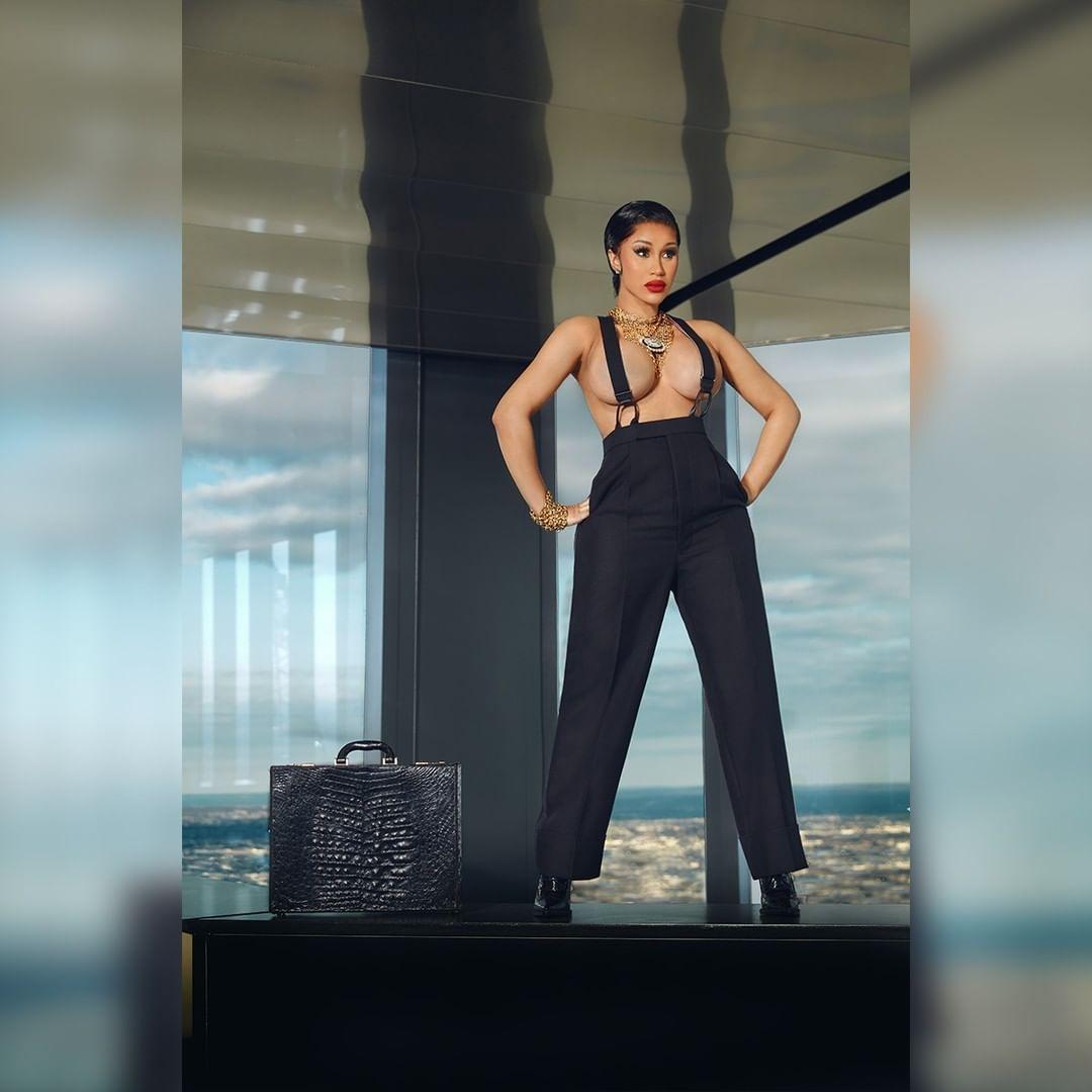 Рэперша Cardi B снялась в откровенной фотосессии для мужского журнала XXL (ФОТО) - фото №3