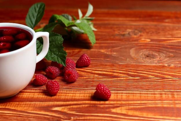 Чай с малиной от простуды и гриппа