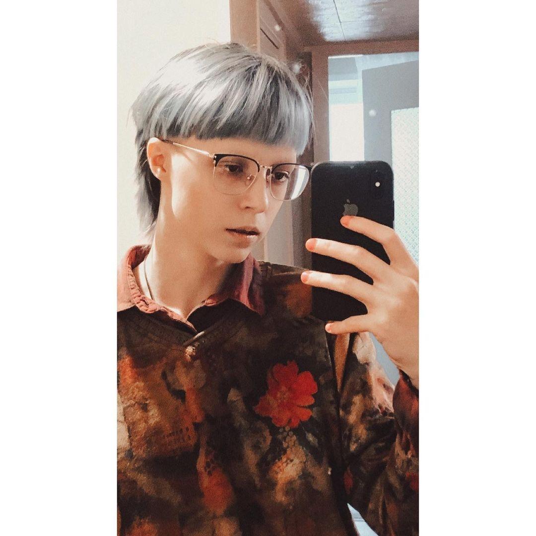 Теперь Сережа: 20-летняя дочь Михаила Ефремова объявила о своей трансгендерности - фото №1
