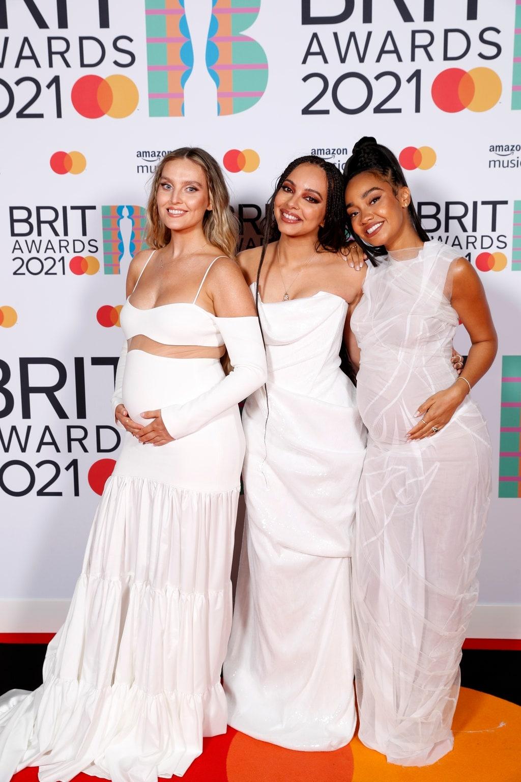 Самые яркие образы звезд на красной дорожке BRIT Awards 2021 (ФОТО) - фото №2