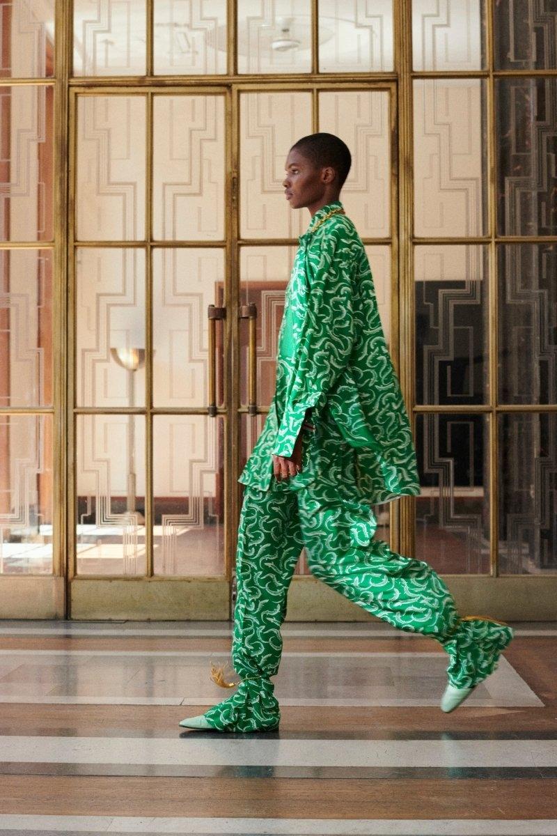 Современная элегантность в новой коллекции Victoria Beckham Resort 2022 (ФОТО) - фото №10